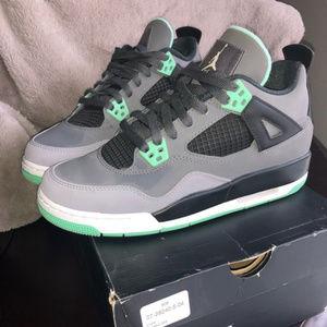 Air Jordan 4 Retro (GS) Green Glow - barely worn